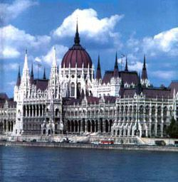 Rent a bus in Budapest with driver photo city 1