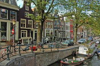 Rent a car with driver in Netherlands photo country 2