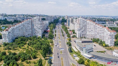 Rent a car with driver in Chisinau photo city 35