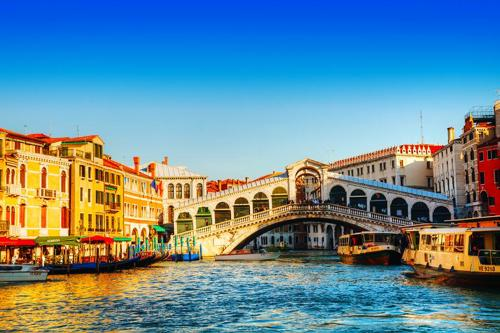 Rent a car with driver in Venice photo city 65