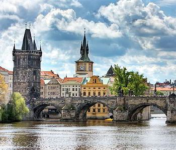 Rent a car with driver in Prague