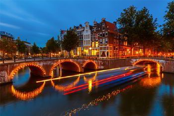 Rent a car with driver in amsterdam photo city 1